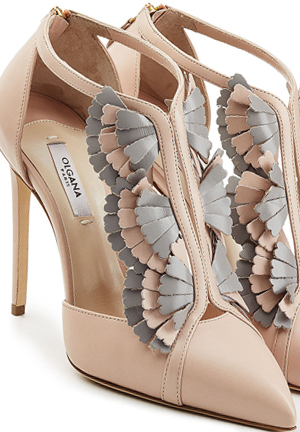 Olgana Nude Shoes. Shoes for Race Day outfits. What to wear for the Melbourne Cup. Fashions on the Field Ideas. Mother of the Bride Shoes. How to wear Nude Outfits